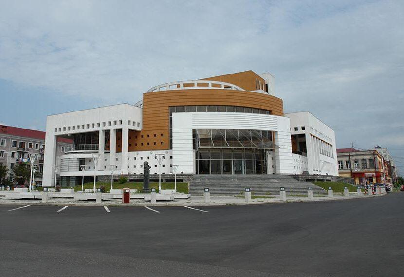 potis-teatri-1518160064